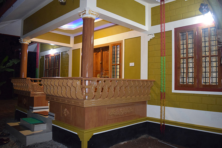 Gallery page 2 building designers chelari kerala for Low cost house building
